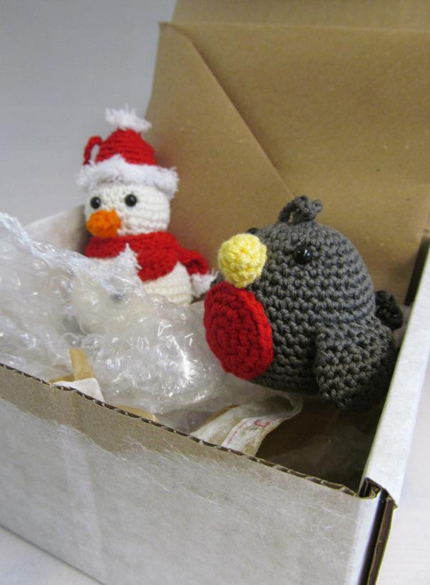 curly_girl_coop_snowman_robin
